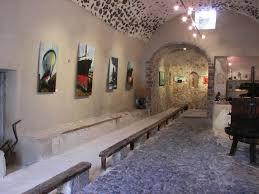 Post 2 Art & Gallery
