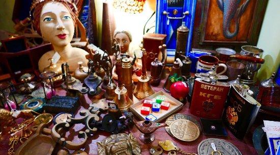Curios in Santorini | Shopping in Santorini | Epilekton Oia